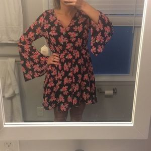 NWT bell sleeve floral dress